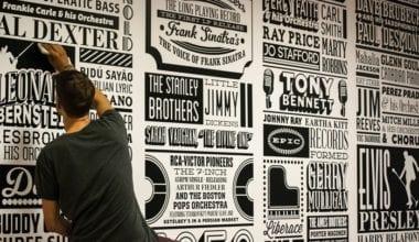 po 380x220 - História nalepená na stene – Sony Music Timeline