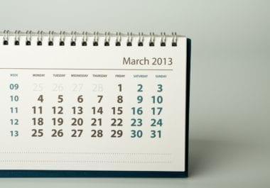 shutterstock 127929752 380x265 - Ak máte na stole kalendár