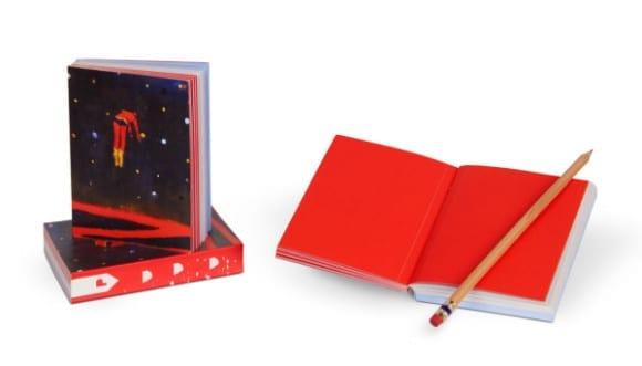 katherine bradford mini superhero notebook 600x343 580x331 - Plumb – zápisniky od umelcov pre kreatívcov