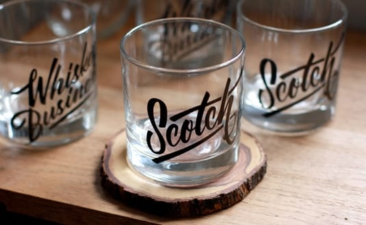 madisonscotch - A do dna – poháre s pôsobivými typo motívmi