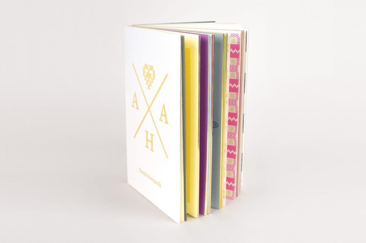 00b - Aha, pekná kniha o výšivkách!