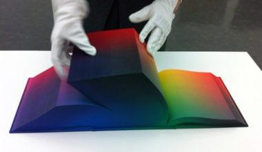efaf9a2ea8eaa1d69bfd6120d645c5ea 380x220 - RGB v kocke na stránkach atlasu farieb