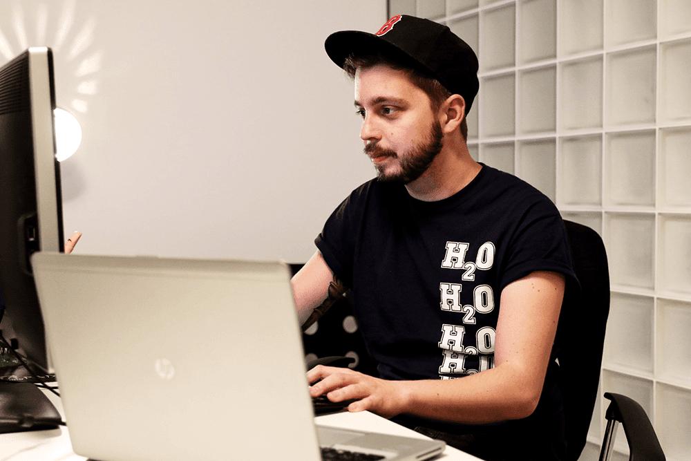 marek - Marek Mundok – grafik, ktorý si kreslí svoj sen