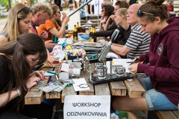 festivalová atmosféra (foto: Juraj Starovecký)