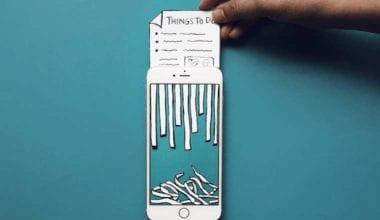 2 5 380x220 - iPhone, kúsok papiera a umelecký kúsok
