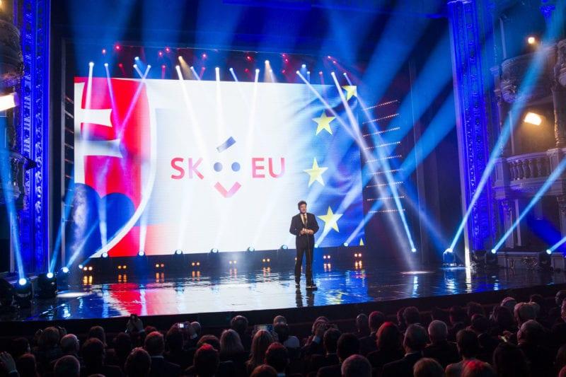 160222 lajcak predstavenie loga skpres 01 800x533 - Hodnota dizajnu a logo SK/EU2016