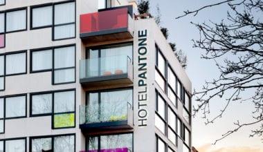 pantone hotel 02 380x220 - Pantone hotel plný farieb