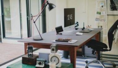 tumblr o5moq5lBd11uiy5fho1 1280 380x220 - Výborný účet na Instagrame vám ukáže minimalistické pracovné stoly a možno vás aj inšpiruje