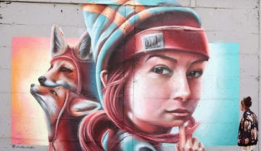 tumblr nn69s50RwW1sqchuko1 1280 380x220 - Kresby na stenách budov ako umelecké diela