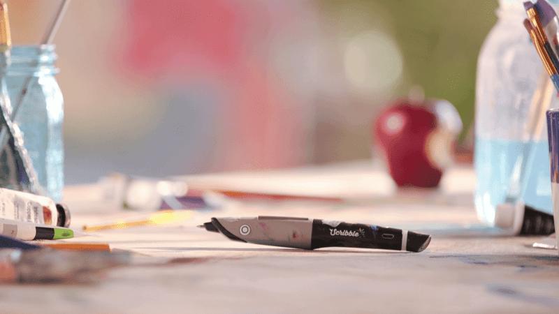 scribble pen 800x450 - Scribble – pero, ktoré ovláda všetky farby