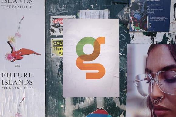 Type with Pride Gilbert Ogilvy 2 G FlyPosting 580x387 - Font inšpirovaný autorom myšlienky Dúhového pochodu
