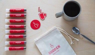 1 Helvetica Sudden Coffee Font Typography Food Blend Caffeine 380x220 - Známa Helvetica už nie je len font, na svoje si prídu už aj kávičkári