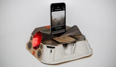 mcdonalds speaker 380x220 - McDonald's mění svoje držátka na nápoje v recyklovatelný Boombox