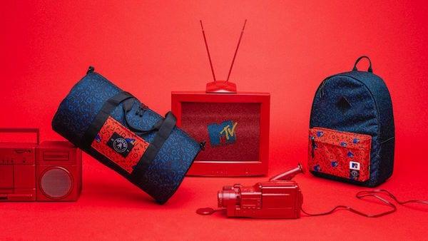 1 4 - Tašky inspirovány MTV navodí nostalgické pocity 90. let