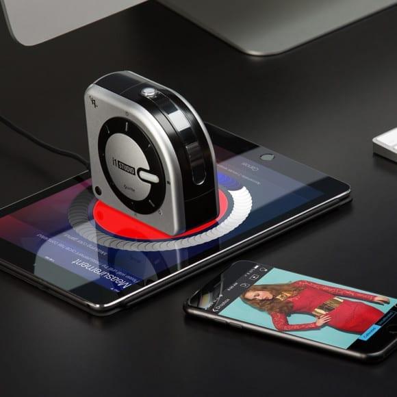 XRIT348 i1StudioTabletPhone 580x580 - NOVINKA X-Rite i1Studio