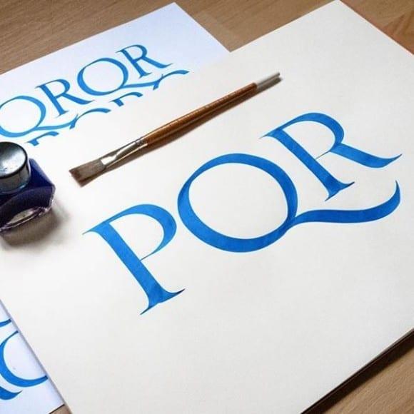 26991711 2045400505475840 3761372469952602989 n 580x580 - Poctivý kurz kaligrafie – technika štetca nielen pre pokročilých