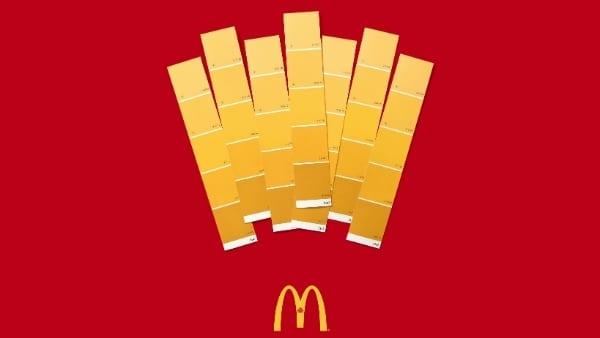 McDonalds Quebec Moving Day Canada Cossette Color Swatches 1b - McDonald's prezentuje tři ze svých neoblíbenějších položek pomocí vzorníků barev