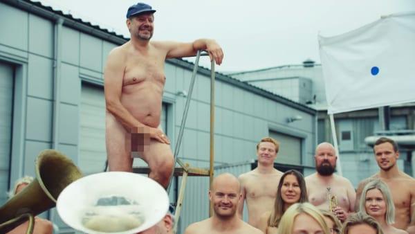 Absolut Naked Nothing To Hide 5 - Vposlední kampani společnosti Absolut Vodka se objevují zaměstnanci absolutně nazí