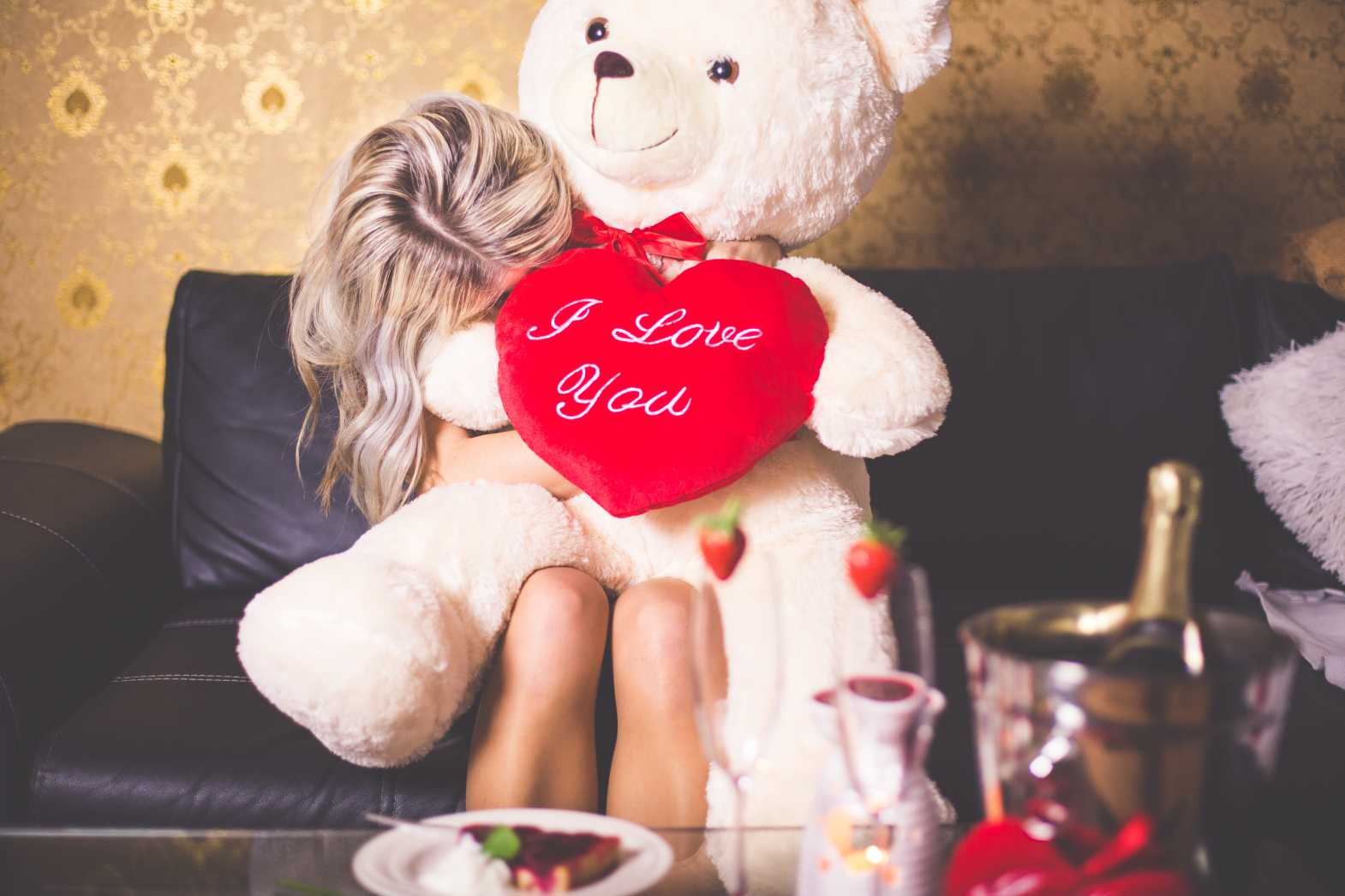 happy girl with teddy bear happy valentines day free stock photos picjumbo.com  - Valentýnské fotografie zdarma – picjumbo.com