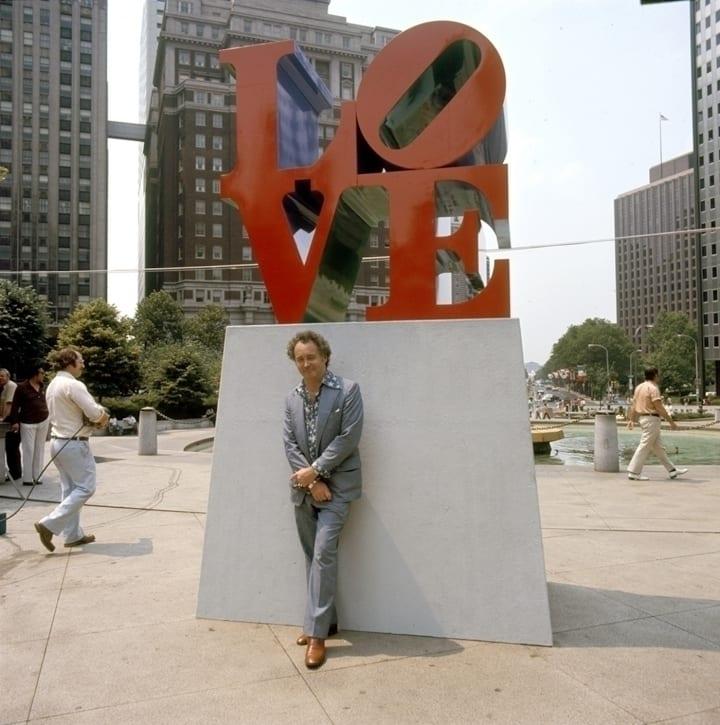 """robert indiana obit lead 720x725 - Ve věku 89 let zemřel Robert Indiana, tvůrce ikonického """"LOVE"""" díla"""
