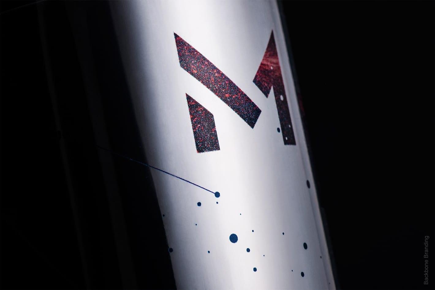 Messier 53 Wine Backbone 11 - Ach, tie obaly – Messier 53 Wine