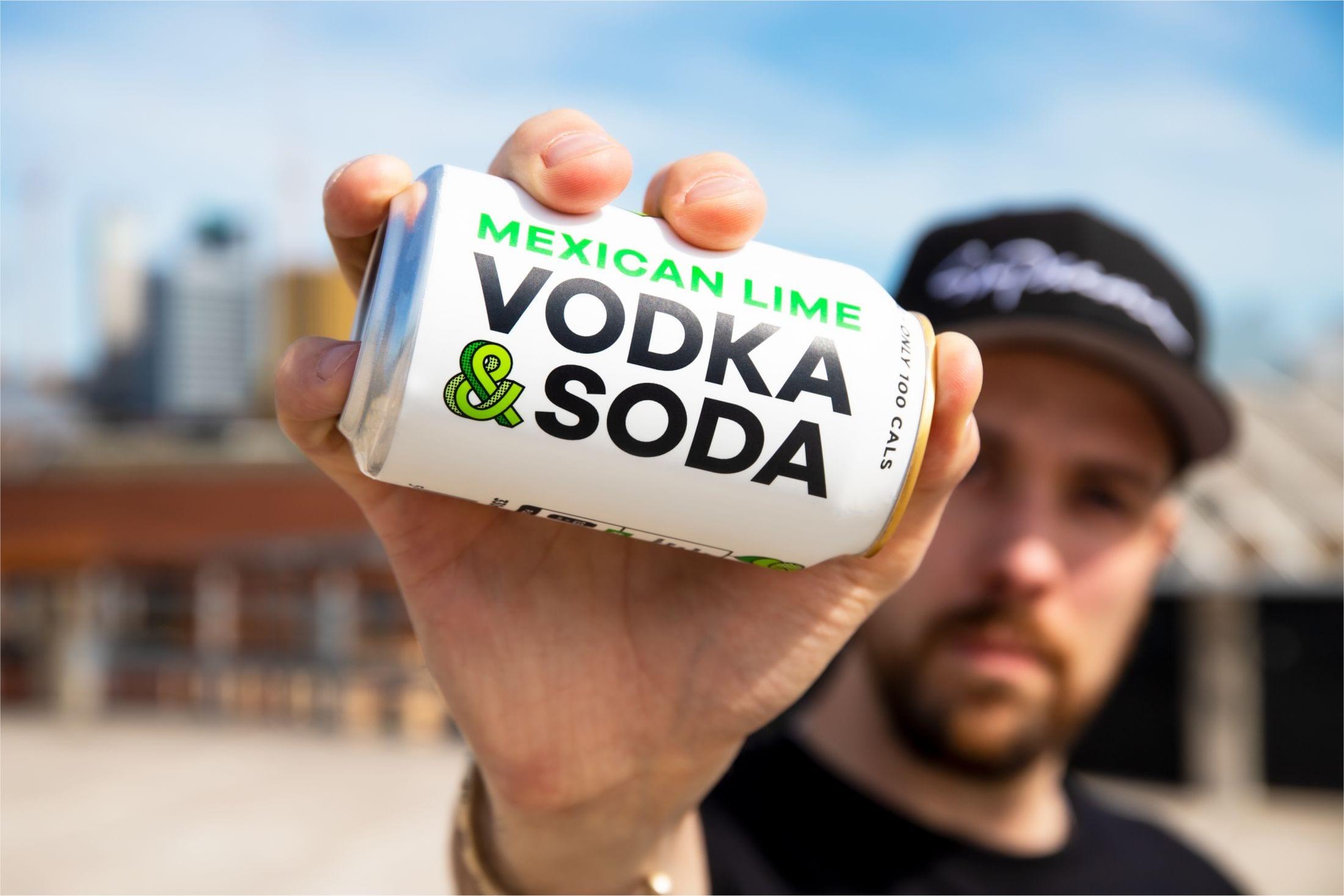 """c9dd26c806999b078b1285b1018d0e98797fa48b 2200 - Svěží a ovocná identita pro novou alternativu """"čistého pití"""" &Soda od společnosti Analogue"""
