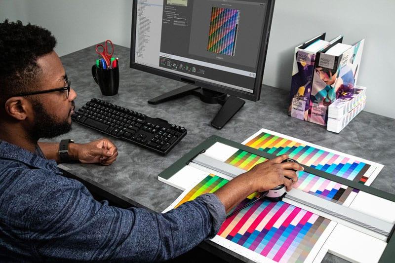 ebnkinf0 - Nový přístroj na měření barev X-Rite i1Pro 3 Plus – Správa barev pro nové obory na profesionální úrovni