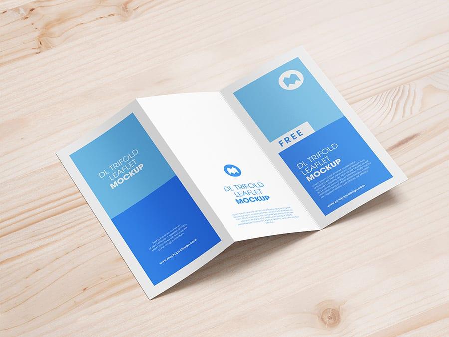 04 - Stiahnite si mockupy skladacích brožúr