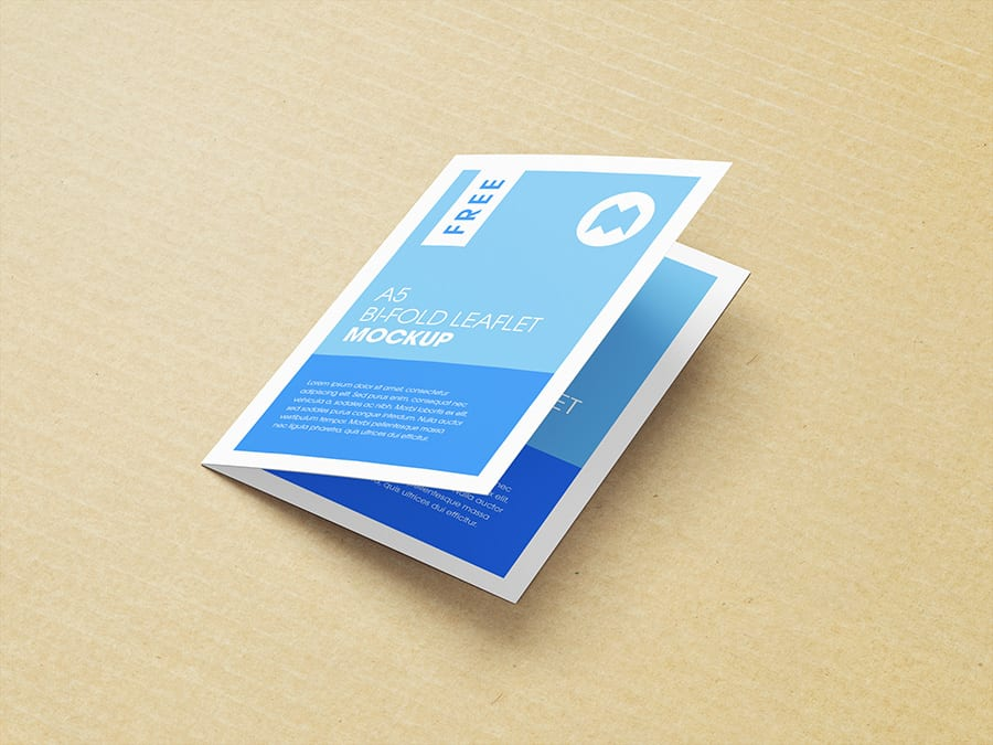 05 - Stiahnite si mockupy skladacích brožúr