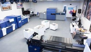 04 380x220 - Konica Minolta otvorila európsky showroom priemyselnej tlače vBratislave